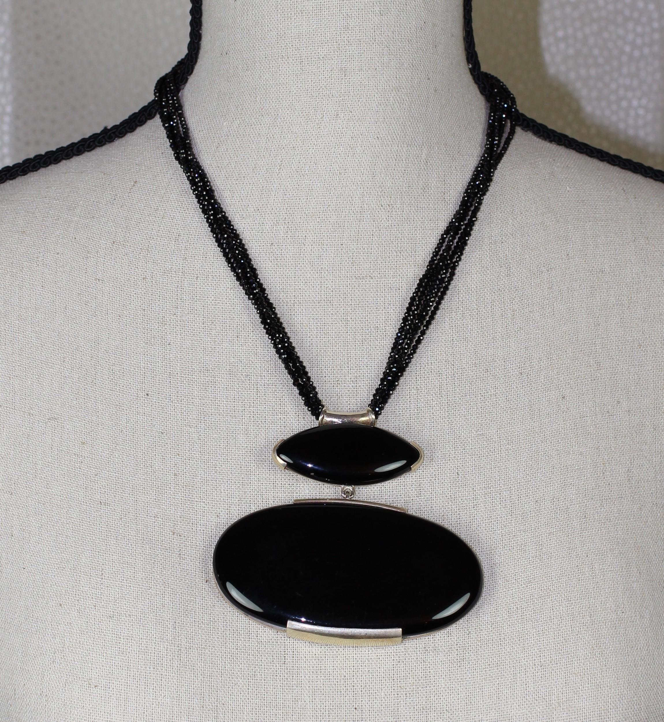 collier avec m daillon en onyx et argent 925. Black Bedroom Furniture Sets. Home Design Ideas